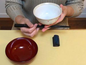 お椀とご飯茶碗